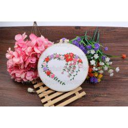 Hímzőkészlet bambusz rámával, Rózsa futó 20 cm