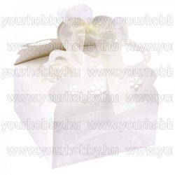 Hajtogatható papírdoboz, dombornyomott, gyöngyházfehér mintával, szaténszalaggal 11x11x5,5 cm